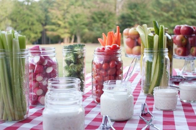 Picnic ideas how to have a picnic organic catering wedding ideas engagment photos cheap date green ideas - 6